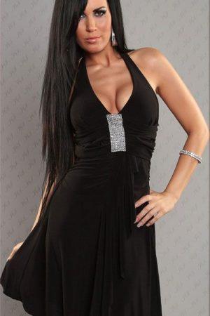 Strasszkövekkel díszített elegáns fekete alkalmi ruha