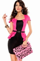 Elegáns, fekete-rózsaszín alkalmi ruha övvel
