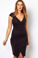 Fekete midi ruha klasszikus kivágással (xxl)